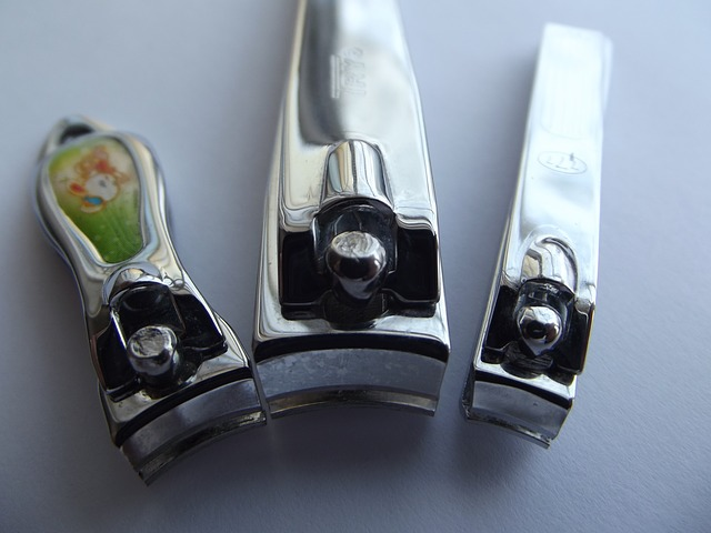 nail-clippers-106382_640